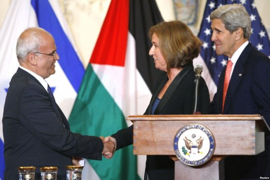 Economic aid packages have been a major incentive for the PA in negotiations with Israel. (Photo Credit: Reuters)