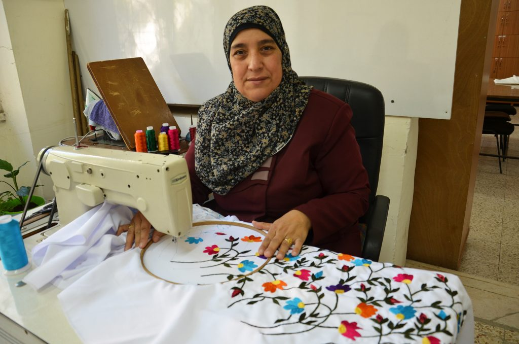 palestinian-embroidery-1